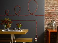 Interior Design Idea-Turn the messy cable into beautiful wall art - Tutorial and Full Version Software Hide Cables, Hide Wires, Hiding Cords, Electrical Cord, Lamp Cord, Creation Deco, Cable Organizer, Ideas Geniales, Deco Design