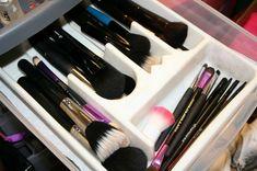 como organizar brochas de maquillaje