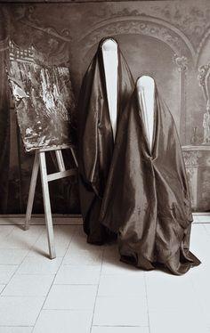 Old School Persian Photography With a Modern Twist Creepy Images, Creepy Photos, Creepy Art, Scary, Strange Photos, Creepy Stuff, Creepy Vintage, Vintage Halloween, Vintage Photographs