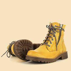💛 ¡ Empieza este fin de semana con estas botas ! 💛  #Botas #Primichi Combat Boots, Shoes, Fashion, Fall Season, Combat Boot, Fall Winter, Over Knee Socks, Moda, Zapatos