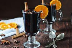 Nincs jobb, mint téli estén a ropogó kandalló mellett egy pohár finom forralt bor és egy jó film. Nagyon ritkán iszom alkoholt, bort ped... Cocktail Drinks, Cocktails, Kitchen Aprons, French Press, Hot Chocolate, Smoothies, Herbalism, Diy And Crafts, Coffee Maker