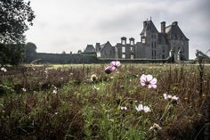 #Finistere #Bretagne #SaintVougay : château de #Kerjean © Paul Kerrien  http://toilapol.net