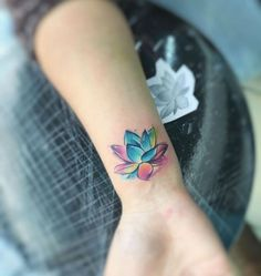 30+ Colorful Small Flower Tattoo Ideas