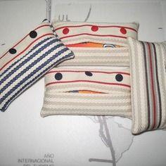 Pochette mouchoirs en toile à espadrilles rayée port offert