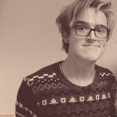 Uch the beautiful Tom Fletcher! :D