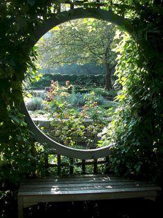 Best Secret Gardens Ideas 53