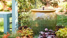 Veamos la manera de crear una espléndida y decorativa fuente para nuestro jardín....