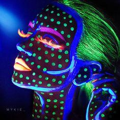 neon uv black light face paint