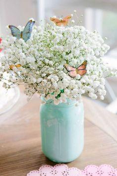 13 Pretty Mason Jar Flower Arrangements - Best Floral Centerpieces in Mason Jars