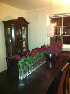 Bordpynt. Roser og Erika, rødt og rosa