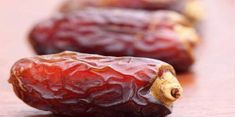 The World's Superfood for Hypertension, Cholesterol, Heart Attack and Stroke You are looking for a super healthy food. Their healthy properties will relieve you from many healt. Heart Diet, Heart Healthy Diet, Healthy Eating, Healthy Food, Healthy Fruits, Health Benefits Of Dates, Most Nutritious Foods, Healthiest Foods, Nutrition