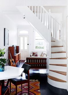 love the stairs and natural light in this beautifully restored narrow home of elke kramer and family, via The Design Files Design Entrée, The Design Files, Home Design, Interior Design, Style At Home, Staircase Design, White Staircase, Staircase Ideas, Room Wall Decor