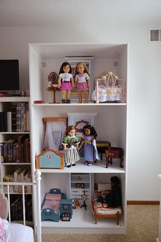 AddyLatte ♥ an American Girl blog: Dollhouse Saga, Part One!