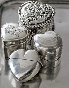 Vintage Silver Heart Shaped Ring Boxes In the early century, it was a popular tradition to present an engagement ring in a monogrammed sterling-silver ring box. Vintage Silver, Antique Silver, Vintage Diamond, Vintage Heart, Argent Antique, Heart Shaped Rings, Heart Ring, I Love Heart, Braveheart