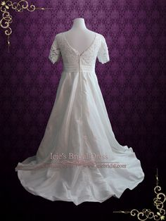 Vintage Style Plus Size Ivory Lace Wedding Dress with Sleeves and Side | Ieie's Bridal Wedding Dress Boutique