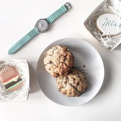 @parisgrenoble shows off her delectable flat lay with her pastel-hued Fossil watch. The newest collection of Fossil watches is spring-ready. See more of our Fossil watch collection here https://www.uretilalt.dk/brands/fossil-ure