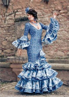 Traje de flamenca en alta costura Abaya Fashion, Couture Fashion, Flamenco Costume, Flamenco Dresses, Anniversary Dress, Spanish Dress, Spanish Fashion, Blue And White Dress, Traditional Fashion