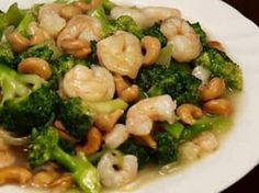 Broccoli with Shrimp and Cashew Nuts