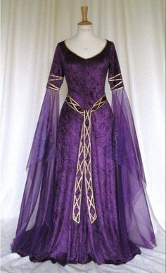 Eve, a Celtic, Elvish, Medieval, Wedding Pagan Wedding Gown with Applique Decoration - Today Pin Medieval Dress, Renaissance Dresses, Medieval Costume, Medieval Fashion, Medieval Clothing, Medieval Gothic, Medieval Wedding Dresses, Medieval Hair, Pagan Fashion