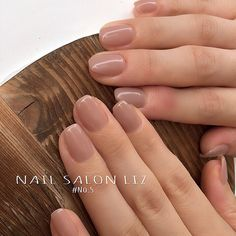 (o^^o) Y? Neutral Nails, Nude Nails, Nail Manicure, Nail Polish, Hair And Nails, My Nails, Minimalist Nails, Classy Nails, Dream Nails