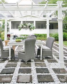 This post is sponsored by Bed Bath and Beyond Yesterday the pergola had a party. A party that started with a vision. You know. The kind of vision that takes over when you stare too long at Pinterest and you see other back yards and other outdoor patios and other pergolas having a party and …
