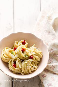 Pasta con crema di broccoli romani - Ricetta pasta con crema di broccoli