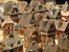 Maisons alsaciennes de décoration , trouvées sur un stand du Marché de Noel de Strasbourg