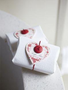 packaging handmade soap