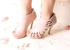 Stylish Buckle Hollowed Peep Top Sandals Pink - $85.72