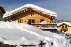 Luxuriöses Holzblockhaus in Annaberg: Das traumhaft schön gelegene Blockhaus mit herrlichem Ausblick auf die Salzburger Dolomiten, befindet sich mitten im Skigebiet 'Dachstein-West' auf einer Höhe von ca. 900 m. Sie gelangen bequem mit dem Fahrzeug direkt zu dem Haus und können von dort aus mit den Skiern zur Piste, welche unmittelbar daneben liegt.