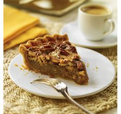 Bourbon Maple Pecan Pie Canadians love pecan pie, a southern specialty. Weve added a good amount of maple syrup for some local flavour. Maple Pecan Pie, Bourbon Pecan Pie, Southern Specialties, Food Porn, Treats, Baking, Breakfast, Sweet, Desserts
