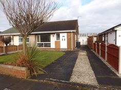 2 bedroom semi-detached bungalow to let, Kingston Crescent,Southport, PR9 9YH. 2 Bedrooms, Quiet Location, Fitted Kitchen, Garage, Modern, Shower Room, Gas Central Heating. Call 01704 545 657