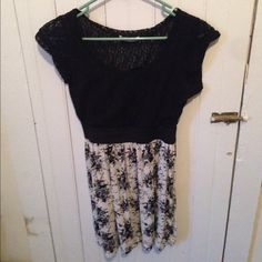 New black and white lace top dress With flowers Dresses Mini
