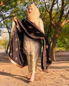 Shadi Dresses, Pakistani Formal Dresses, Pakistani Fashion Party Wear, Pakistani Wedding Outfits, Pakistani Dress Design, Pakistani Clothing, Fancy Dress Design, Stylish Dress Designs, Stylish Dresses For Girls
