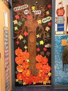 autumn door decorations | Fall door at school | Door Decorations