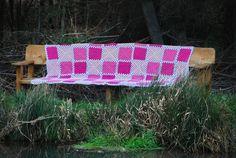 Tagesdecken - ROSALIE Decke 2,10 x 1,20 gehäkelt Granny BW - ein Designerstück von HansensGasse bei DaWanda