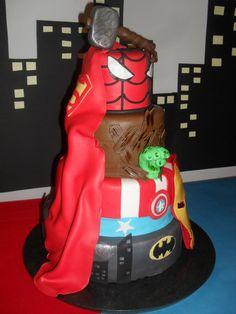 Superhelden Superhero Marvel + DC. Spiderman/ Hulk/ Batman/ Captain America/ Thor/ Ironman/ Superman. Taart/ cake
