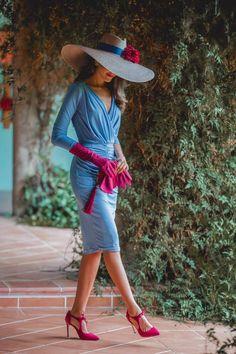 Look invitada de mañana: azul de otoño | Invitada Perfecta Classy Dress, Classy Outfits, Tea Party Outfits, Mother Of Bride Outfits, Vestidos Vintage, Girl With Hat, Elegant Woman, Nice Dresses, Fashion Dresses