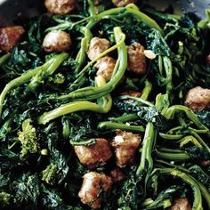 Broccoli Rabe with Sweet Italian Sausage Made this for dinner with mix of rapini and broccolini - yum! Broccoli Rabe with Sweet Italian Sausage Recipe at Broccoli Rabe And Sausage, Broccoli Rabe Recipe, Broccoli Recipes Sauteed, Garlic Broccoli, Broccoli Florets, Spinach, Italian Sausage Recipes, Sweet Italian Sausage, Paleo Recipes