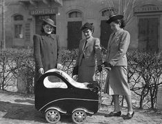 Baby carriage, Hungary, 1939