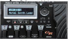 ROLAND GR-55 GUITAR SYNTHESIZER  Revolusi terbaru campuran antara synthesis gitar dengan COSM® guitar modeling yang dapat mengeluarkan sampai dengan 4 karakter suara secara bersamaan.