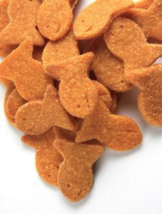 Make your own (healthier) goldfish crackers