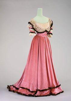 Evening Dress: 1901, silk velvet. Worn by Countess Courten.