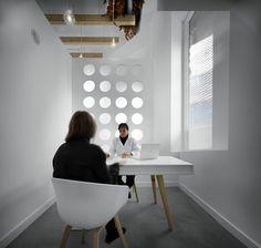Diseño Interior Clínica Dental Conil by Ortho estudio de interiorismo , via Behance