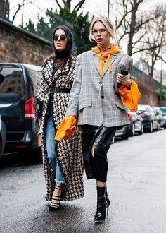Best Street Style from Paris Fashion Week Fall 2017 Best Paris Fashion Week Street Style Fall 17 Fashion Week Paris, Seoul Fashion, Trend Fashion, Estilo Fashion, Fashion Weeks, New York Fashion, Look Fashion, Korean Fashion, Ideias Fashion