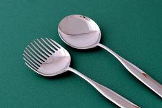 Collo Alto salad set by Inga Sempé for Alessi.  #IngaSempé #Alessi #utensils