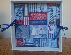 Bandeja decorativa quadrada grande em MDF, revestida em tecido revestida em tecido 100% algodão, impermeabilizado. estampa marítima, pintura branca, acabamento em verniz fosco.