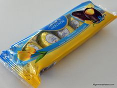 """""""Lindt Eierlikör Eier - Eggnog Eggs"""" are chocolate eggs, made from fine bittersweet chocolate and filled with creamy eggnog.Store cool and dry. Milka Chocolate, Easter Chocolate, Easter Candy, Easter Eggs, Mixed Drinks, New Recipes, Oreo"""
