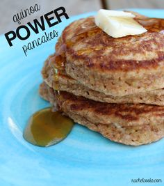Stay full for hours with these Quinoa Power Pancakes made with quinoa, wholewheat flour, cinnamon, wheat bran and ground flax Breakfast Items, Breakfast Dishes, Breakfast Recipes, Morning Breakfast, I Love Food, Good Food, Yummy Food, Sans Gluten, Healthy Snacks