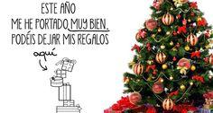 Los vinilos con árboles navideños y belenes compiten con la decoración más tradicional |
